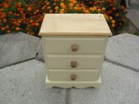 Shabby Chic Farmhouse Country Solid Pine Bedside Chest Of Drawers In Farrow & Ball Cream No 67