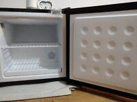 Russel Hobbs table top freezer