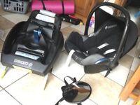 Maxi Cosi Baby Seat, Mirror & Isofix Base
