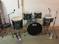 Pearl Forum Series Charcoal Metallic 5 Piece Rock Drum Kit (22in Bass) + Hardware + Sabian Cymbals