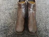 Leather fashion boots size 9