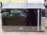 "Delonghi Microvave Oven 900 Watt (Under Two Years Old ) ""£119.99 New"" Very Good Condition"