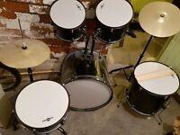 Gear4Music Drum Kit, Excellent condition