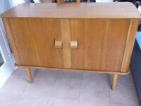 LOVELY RARE VINTAGE MEREDEW CURVED SIDED SIDEBOARD WITH CURVED DRAWERS