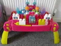 Children princess duplo table and extra bricks
