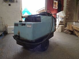 KEW Steam Cleaner/Pressure Washer