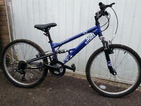 Apollo Sandstorm Bike suitable 8-11 year old.
