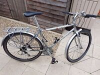 Excellent Commuter Hybrid bike with puncture resistant tyres. Serviced