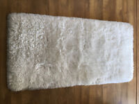 RRP £150 JOHN LEWIS PLUSH SHAGGY RUG 70cm x 140cm White Soft Handmade - NEW