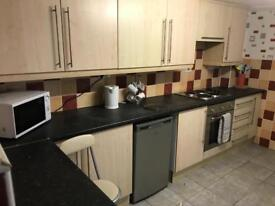 Holyhead rooms to let in shared house £85-£95 a week inc bills
