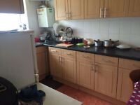 DOUBLE ROOM IN NICE THREE BED HOUSE IN PRIME LOCATION OF GANTSHILL