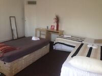 HUGE triple room for friends in a nice clean house near to Central line station, all bills included