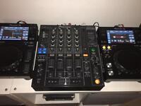 Pioneer XDJ700 (Pair) & Pioneer DJM800