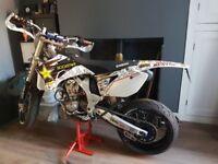 Yamaha Supermoto YZ450F New tyres and rims WARP 9 rims, not KTM DRZ CRF Dorsoduro