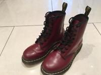 Dr Martens / Size 5 / Red / NEVER WORN