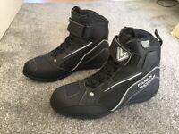 Motorcycle boots new. Frank Thomas size 10, Euro size 44
