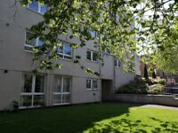 Let agreed - 1 Bed flat by the lake,Linlithgow