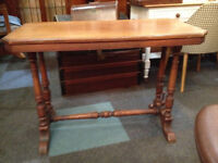 Enchanting Victorian Solid Mahogany Console Hall Table