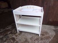 Moma and Papas Kids Baby Nursery Changing Table delivery available