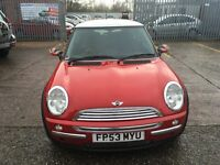 Mini Cooper red 1.6 one former keeper recently been serviced