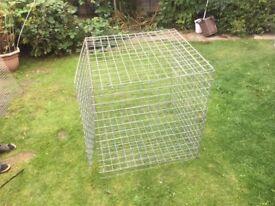 Metal cage (building)