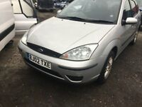 FORD FOCUS LX PETROL 2002 SILVER FOR PARTS ONLY