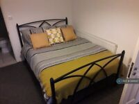 1 bedroom in Bowyer Drive, Slough, SL1 (#944847)