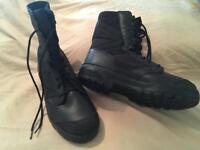 Magnum boots black uk 10
