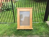 Wall cabinet with frosted glass