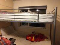 Metal bun bed