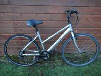 Dawes discovery 201 bike, 28 inch wheels, 21 gears,19 inch lightweight frame, suspension seat