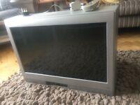 "26"" Toshiba TV ( CRT ie it's a big fat one)"