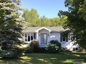 235 000$ - Bungalow à vendre à Gaspé