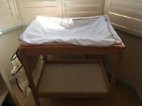 BABY CHANGING TABLE WITH MAT AND ORGANISER