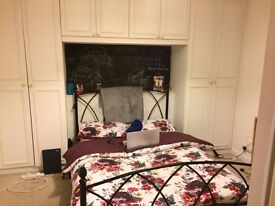 GAY HOUSE SHARE - MANOR HOUSE /ONE DOUBLE ROOM GAY PERSON Tube Station(Zone 2) Piccadilly Line