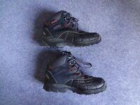 Hi-Tec Walking / Hiking Boots Size 6 / 39