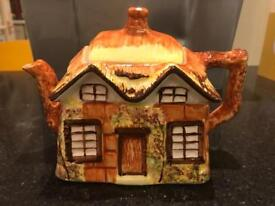 "Vintage ""Ye Olde Cottage"" Teapot by Price Kensington No.845007"