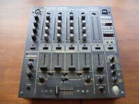 Pioneer DJM 600 Mixer Very good condition with original box. CDJ 1000 2000 EFX Turntable Decks