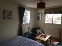 Double room to rent £700pcm inclusive