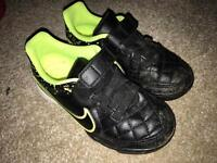Nike Astro Turf - kids size 10 uk football trainers / boots