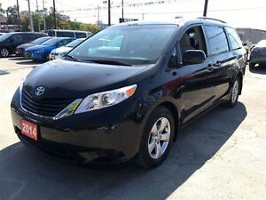 2014 Toyota Sienna LE/MASSIVE CLEAROUT!/PRICED FOR AN IMMEDIATE  Kitchener / Waterloo Kitchener Area image 3