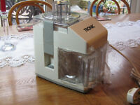 ELECTRIC JUICER NEVER BEEN USED