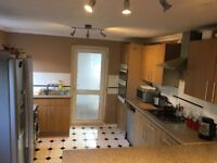 Double room to rent- bills included