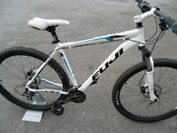 Fuji Nevada 29er Mountain Bike Hydraulic Brakes Lockout Forks Fully Serviced