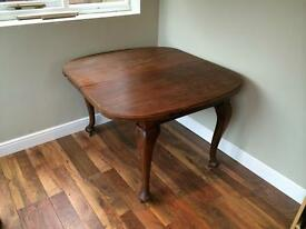 Antique victorian, wind out dining table turned legs, castors, mahogany