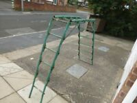 FOLDING STEEL LADDER PERFORMS MANY SHAPES A FRAME OR TRESTLE IDEAL FOR PAINTING STAIR CASES