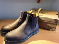 Dr Martens | chelsea boots | UK 9'5 | Hardly used