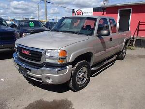 2007 GMC SIERRA CLASSIC 2500HD SLE1 EXT. CAB 4WD Prince George British Columbia image 1