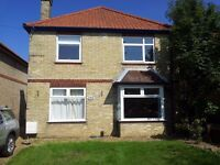 To Let - 4 bedroomed furnished house, Newmarket Road, Cambridge, CB5 8PA.
