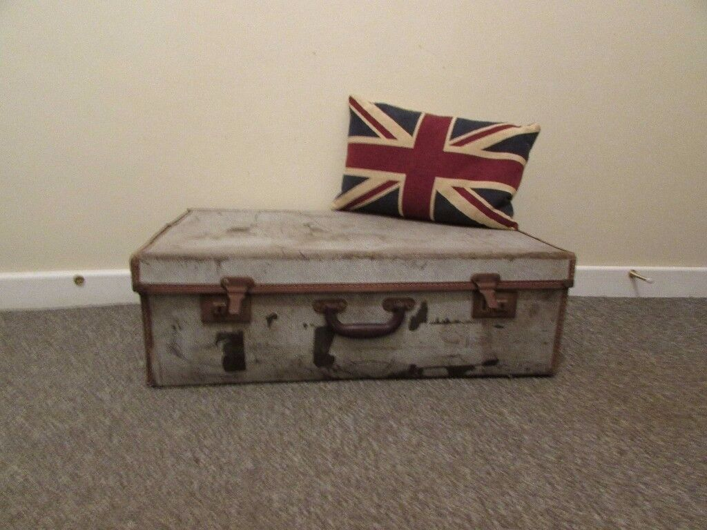 Vintage large suitcase rustic and old looking props flowershop boutique display etc. FREE DELIVERY